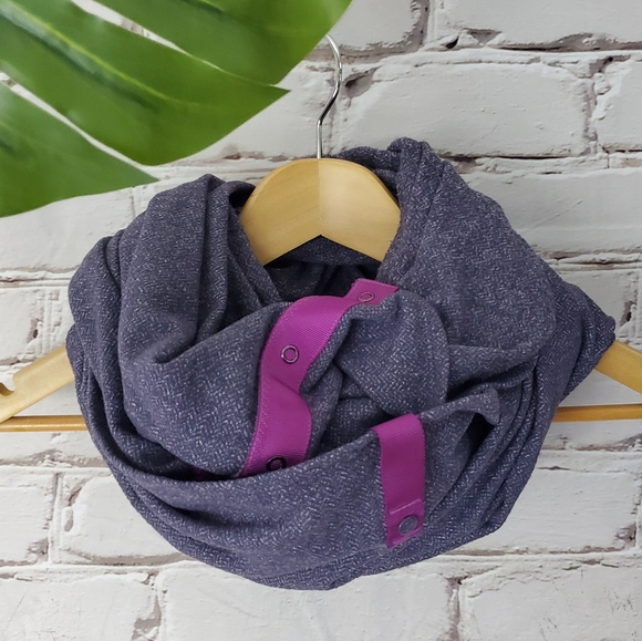 Lululemon Herringbone Black Grape Vinyasa Scarf